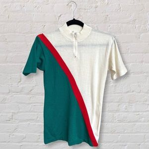 VTG Short Sleeve Sweater Quarter Zip Mock Neck Graphic Print Green and Red